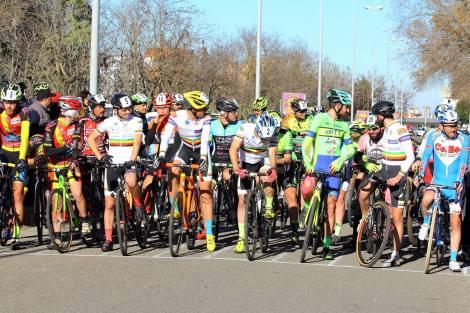 ciclocross-dei-sassi-26122016-partenza-gara-open-master-under-45