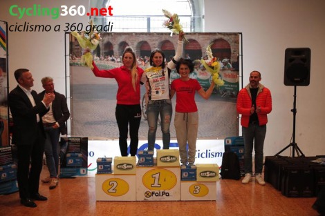 Avesani_podio donne Lungo copy